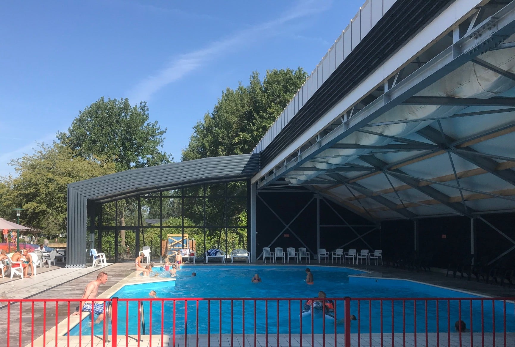 Public pool enclosures - Rheezerveen, Netherlands